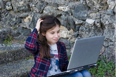 Djeca i tableti - kada moje dijete može početi koristiti mobitele, tablete i računala?