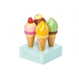 Drveni sladoledi u kornetu