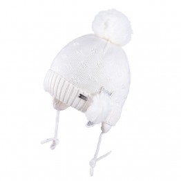 Kapa sa pomponom bijela